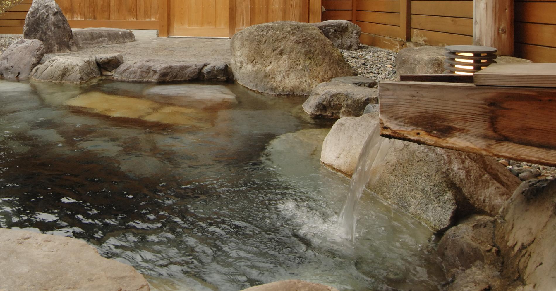 湯量豊富 源泉かけ流し24時間入浴可